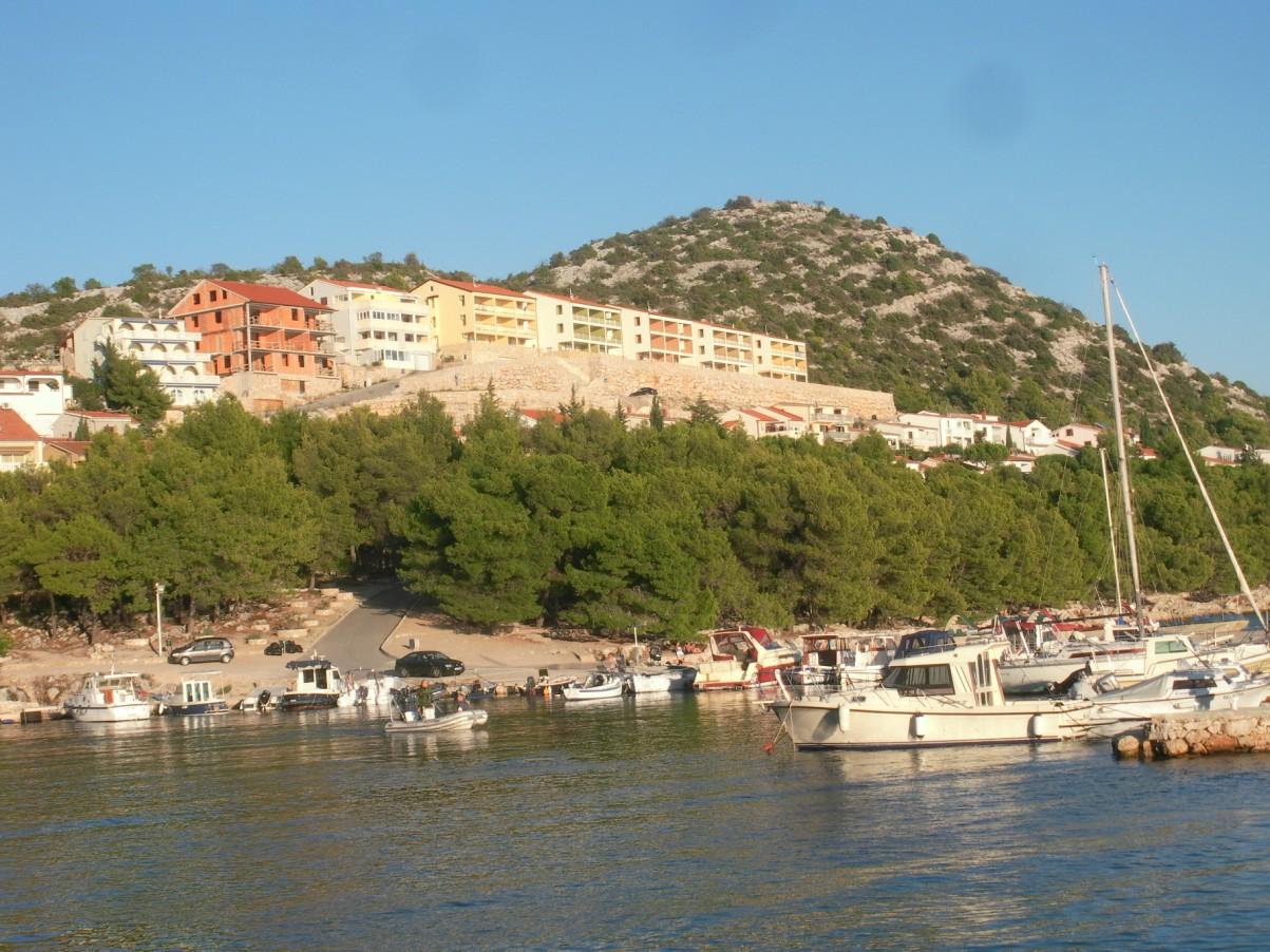 Apartmanok a horvát tengerparton.jpg