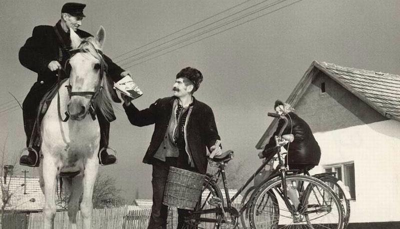 Külterületi lovas kézbesítés Kecskeméten, 1973.jpg