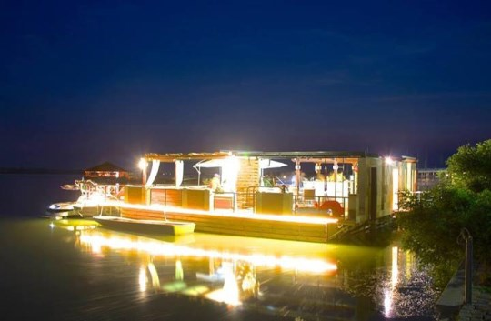 csapcse by night (540 x 353).jpg