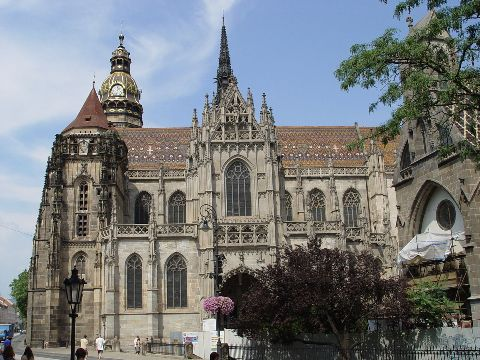 1280px-Kosice_-_St._Elisabeth_Cathedral_1.JPG