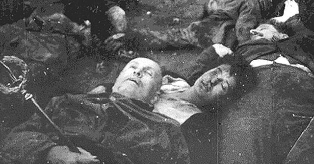 Mussolini_Petacci_Loreto.jpg