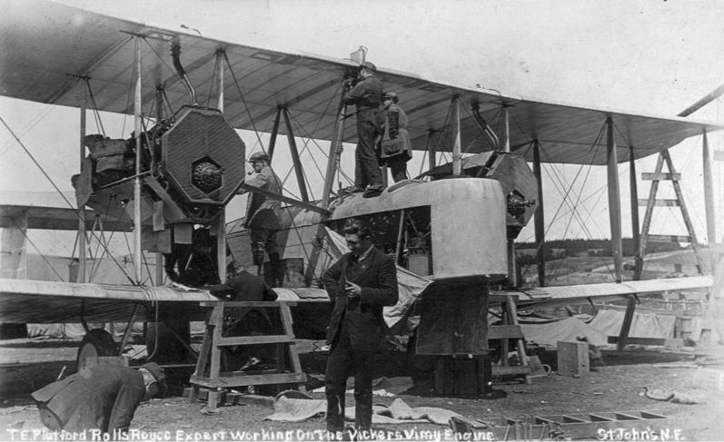 Vickers Vimy assembly 3.jpg