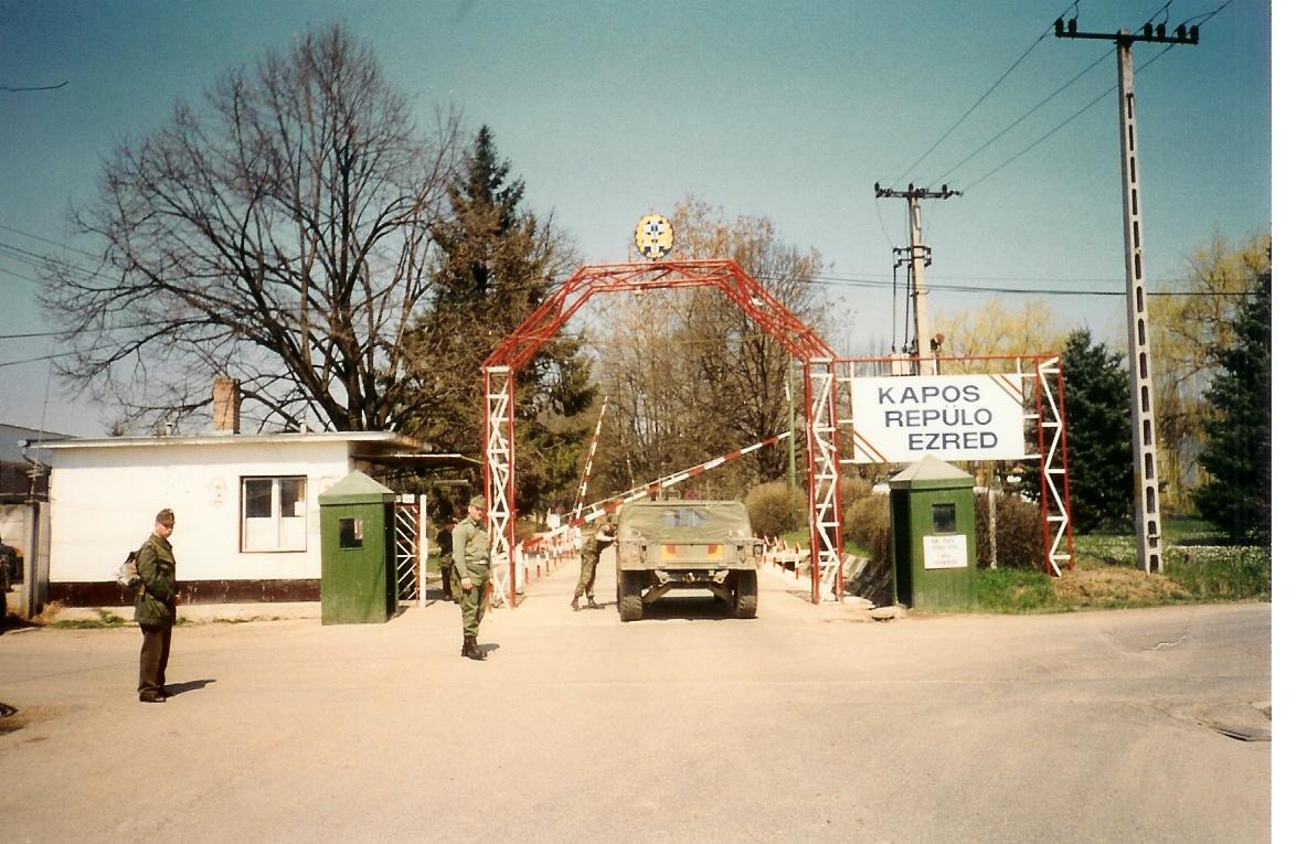 taszar-main-gate.jpg