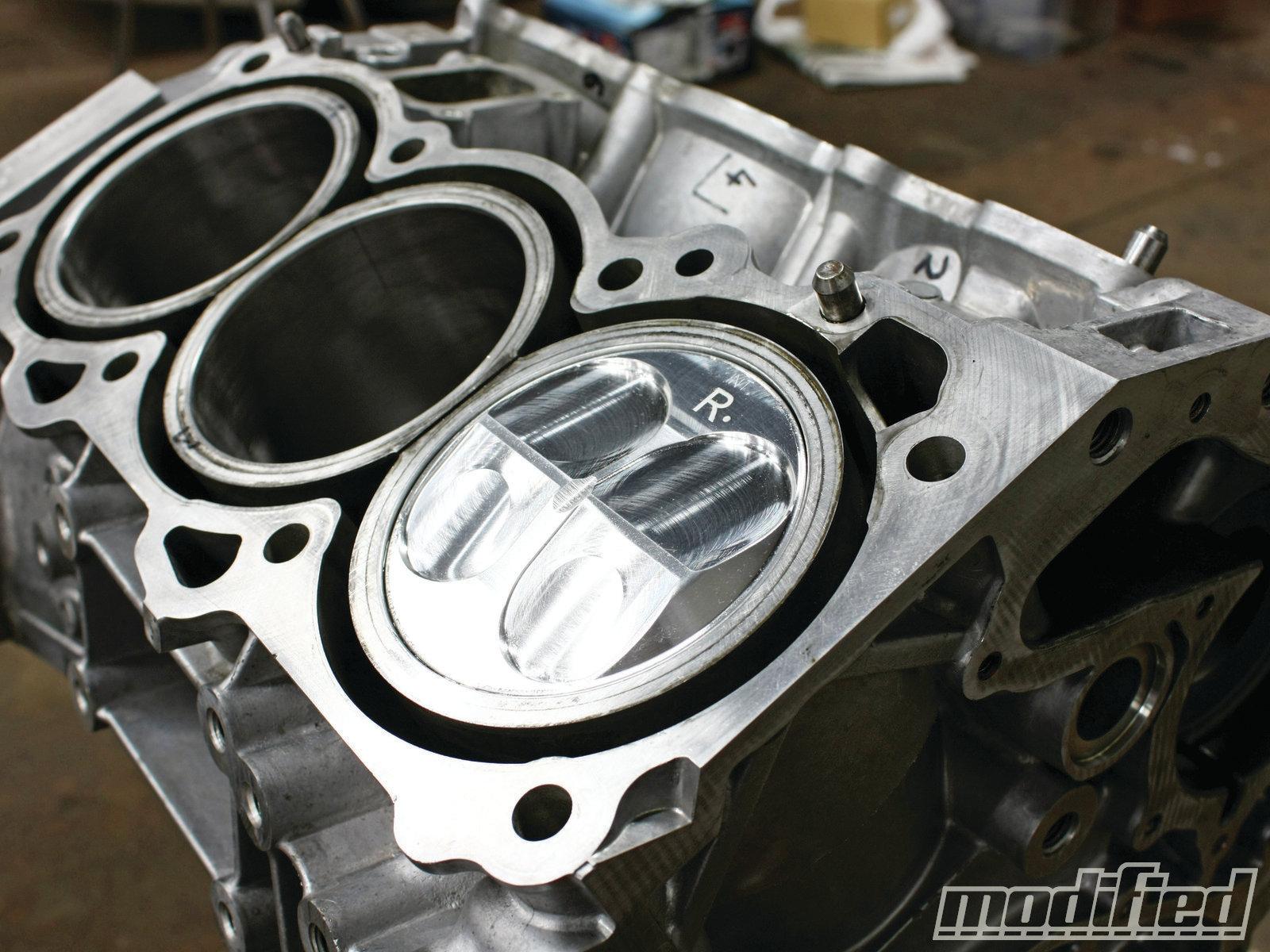 nissan-350z-vq35de-engine-build-wild-compression-pistons.jpg