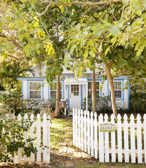 54ea10f112cd8_01-cottage-character-exterior-0215-xln.jpg