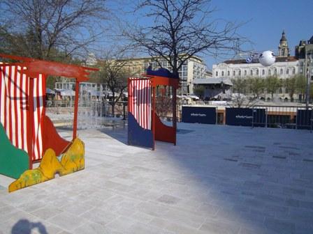 Kedves installációk, valószínűleg a mai gyermekprogramok miatt