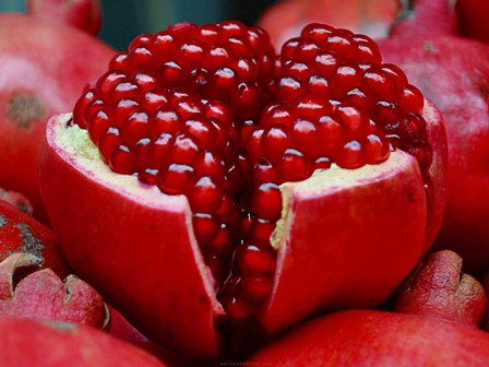 pomegranate-arils-food-fruit-nature-pomegranate-seeds.jpg