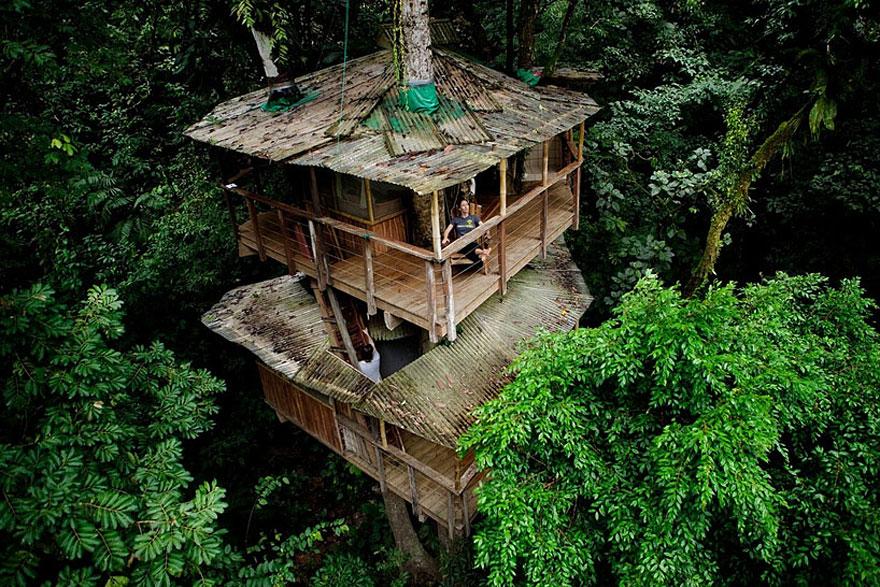 Finca Bellavista lombház (Costa Rica)<br />Ökobarát lombház, melyet egy önfenntartó közösség épített, és természetesen lakásnak is használják, más hasonló házakkal együtt.