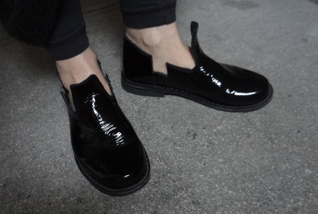 sfb lakk cipő.jpg