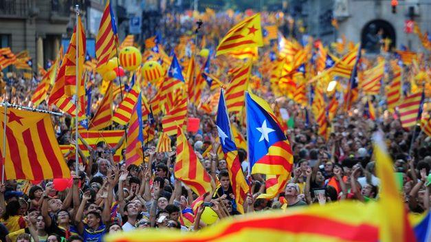 croniques_critiques_del_cami_cap_a_la_independencia_col_loqui.jpg