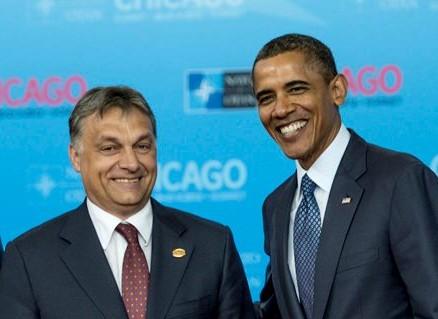 orban_obama_mumosoly.jpg