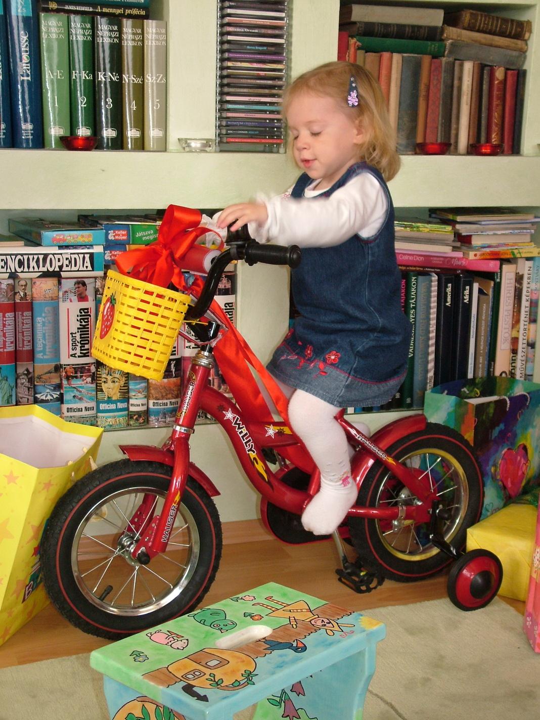 Az első kétkerekű bringa 2 évesen