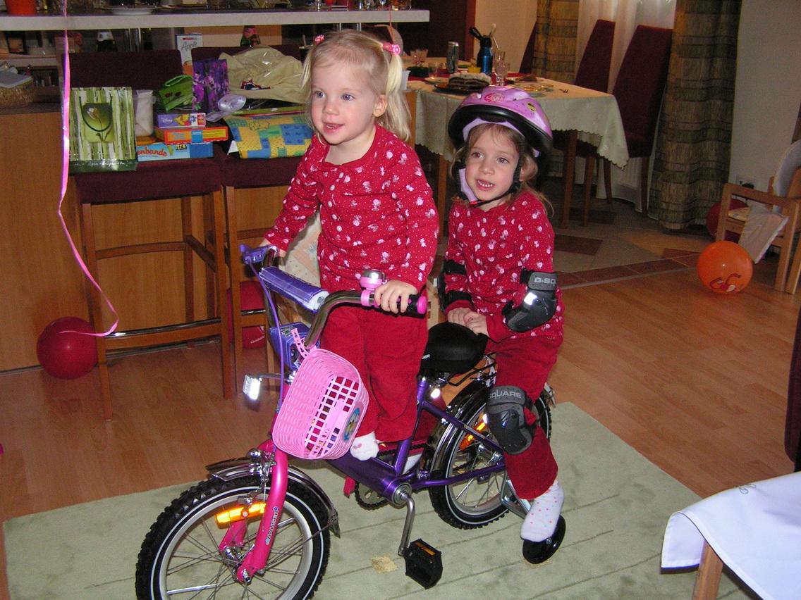 A látszat ellenére ezt a kerékpárt Kitti kapta