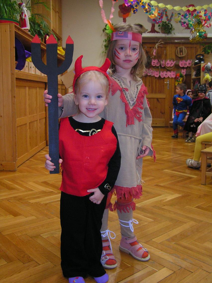 Ördög és indián lány jelmezeket választottak a következő évben