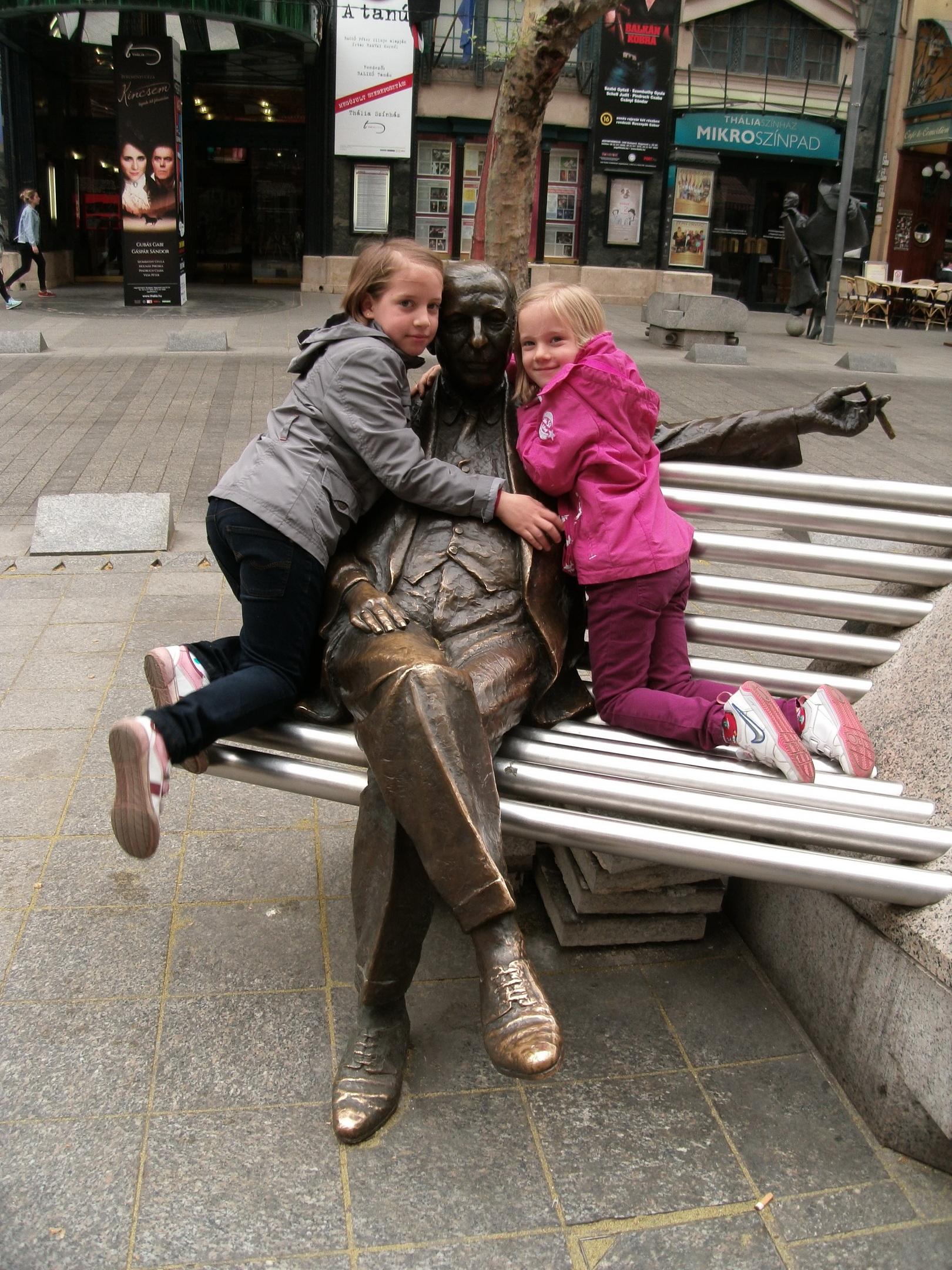 Kálmán Imre szobrát nagyon megszerették
