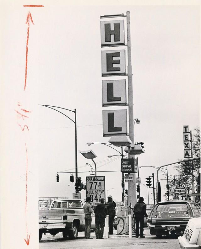 Benzinkút egy szélvihar után, 1979. április 26..jpg