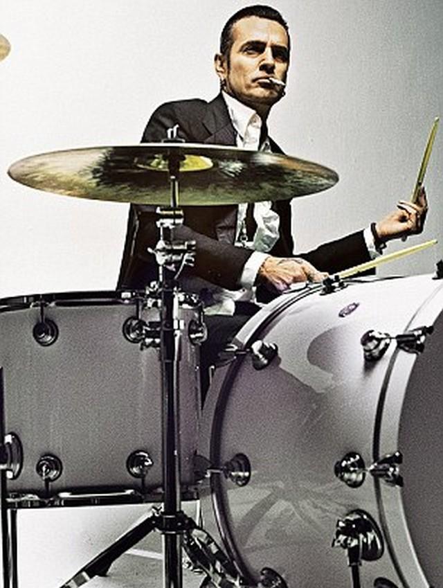 Tommy Lee.jpg