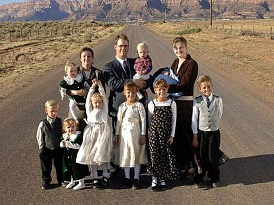 """social and political reactions to mormon polygamy 4 the lord gave, and the lord hath taken away: a history of mormon polygamy david d peck members of the church of jesus christ of latter-day saints (more commonly known as """"mormons"""") openly practiced polygamy between 1852 and 1890."""