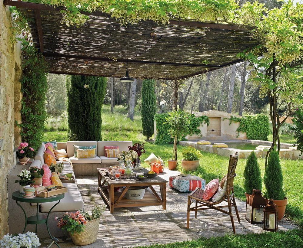 Romantikus kerti hangulatban
