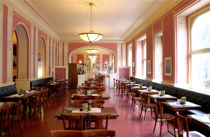cafe-louvre-restaurant-praag-1(p restaurant,11478)(c 0).jpg