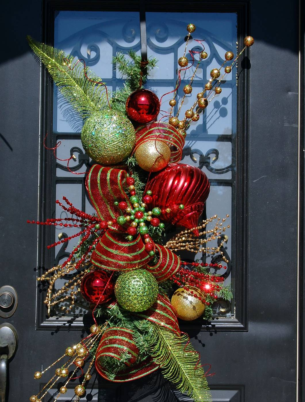 christmas-door-design.jpg