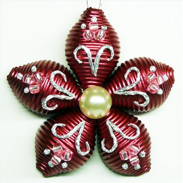homemade-christmas-tree-ornament-flower-pasta-red-pearl.jpg