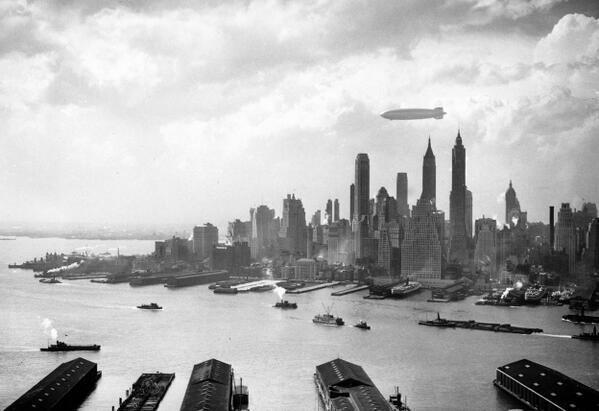 a hindenburg new york felett 1937.jpg