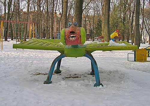 creepy-playgrounds-bugfacething.jpg