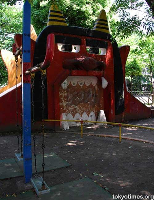 creepy-playgrounds-devil.jpg