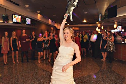 bride-cat-leg1.jpg