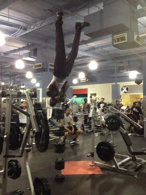 clueless-gym-danger-stand_1.jpg