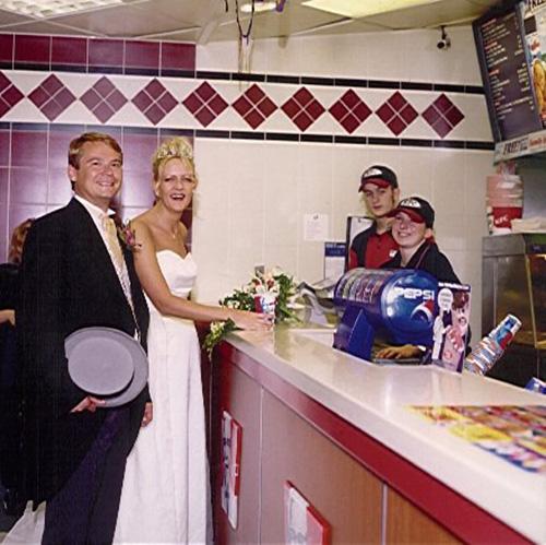 fastfood-customers-kfc-wedding.jpg