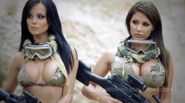girls_with_guns_024.jpg