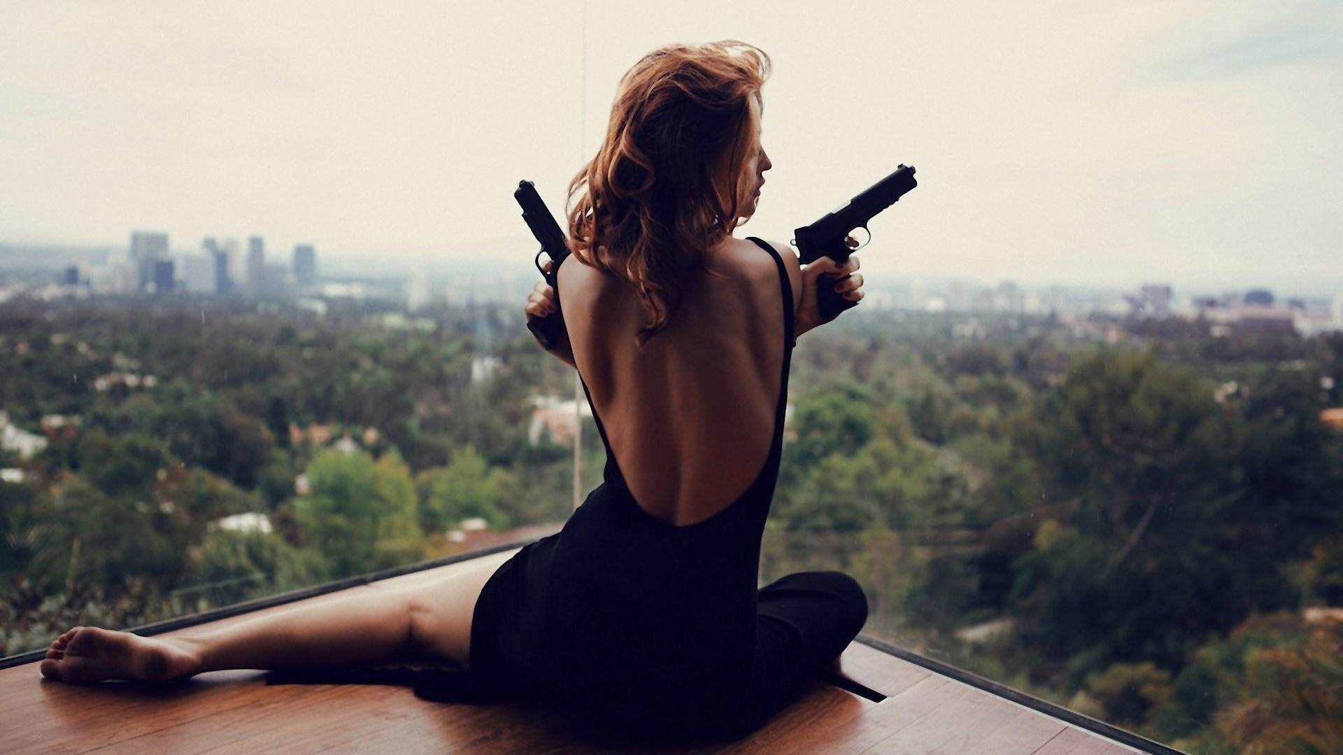 girls_with_guns_026.jpg