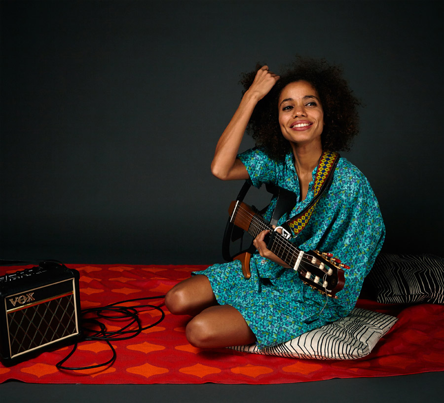 nneka2_by_hugues_lawson_body.jpg