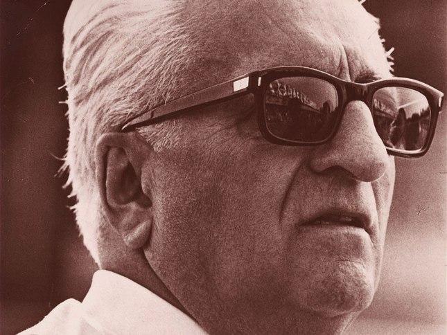 Enzo_Ferrari_1.jpg