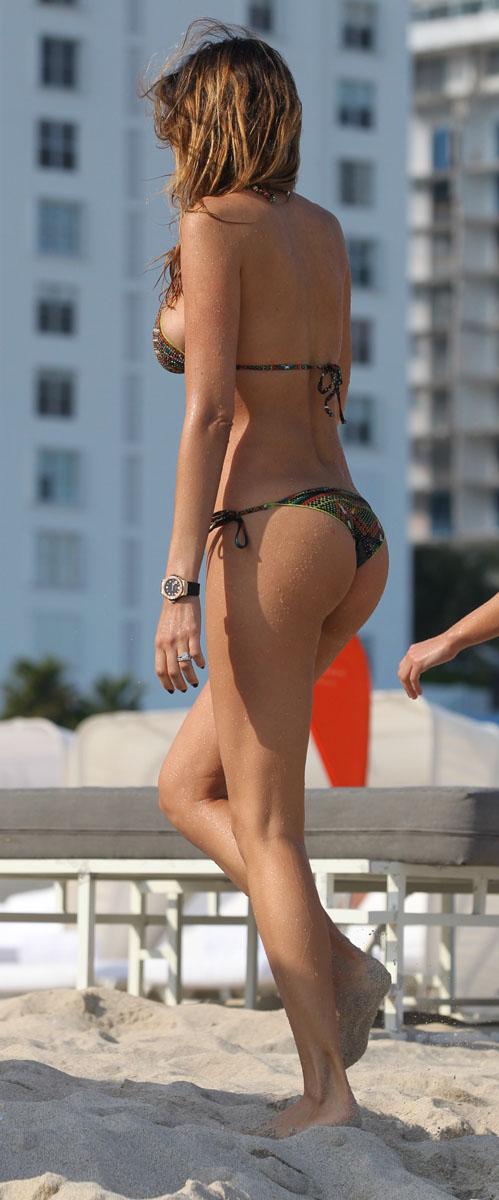 Yespica-bikini-miami-02.jpg