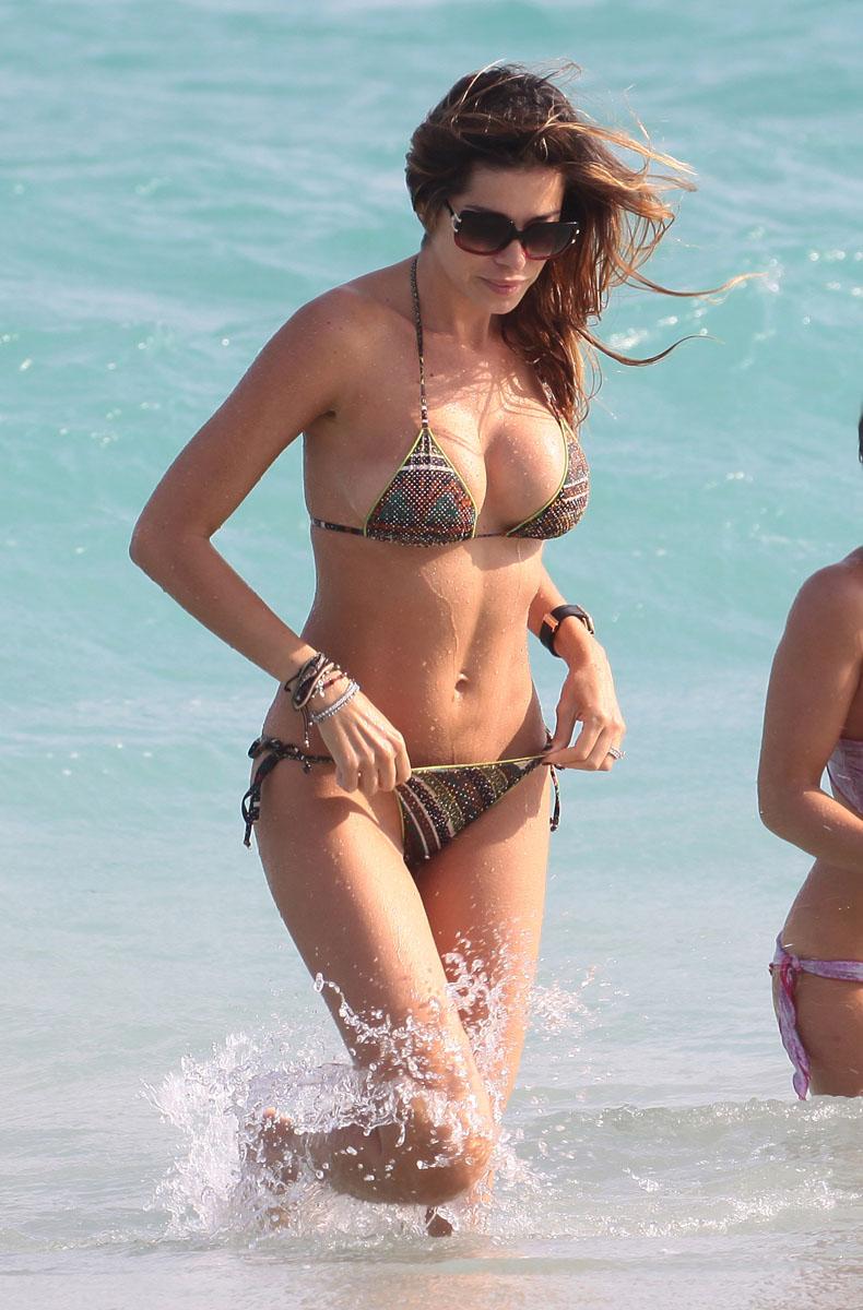 Yespica-bikini-miami-08.jpg
