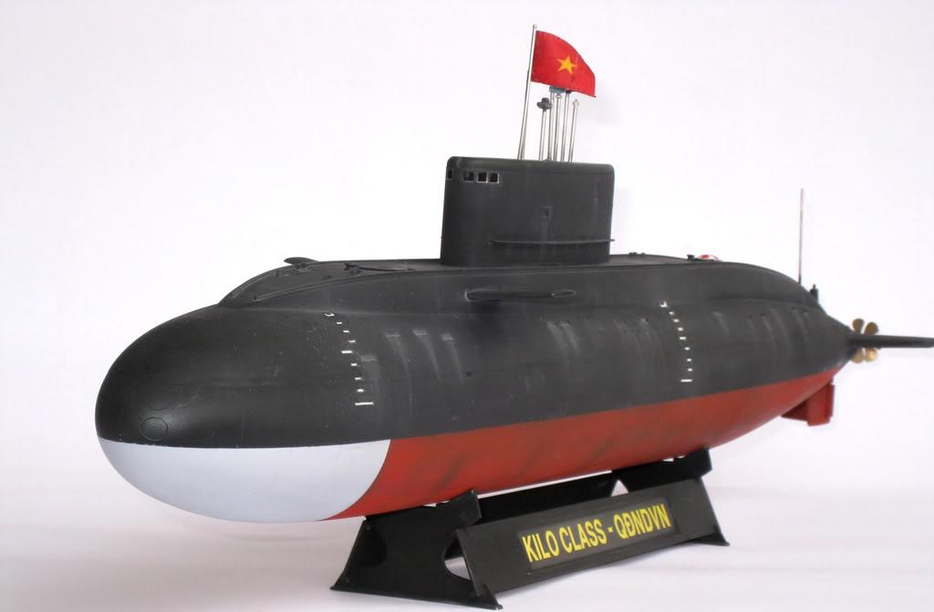 Kilo class attack submarine_vietnam_2.jpg
