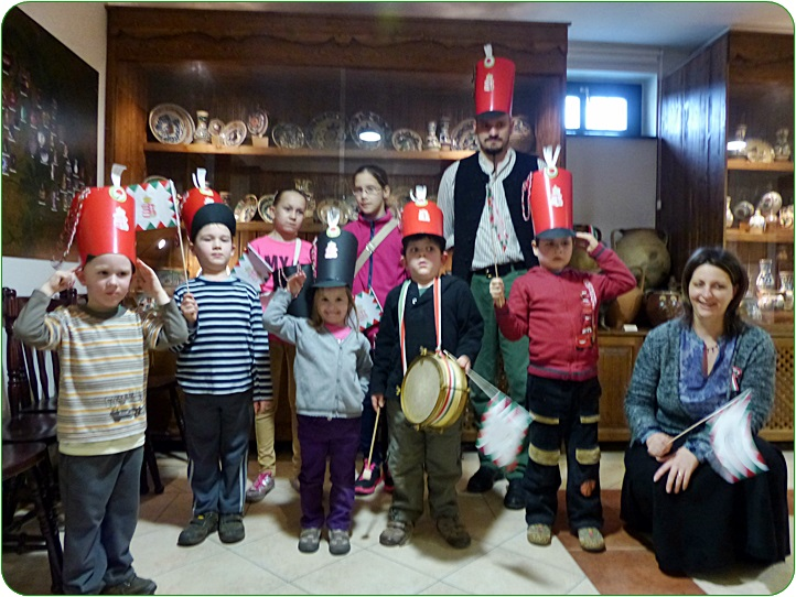 gyerekek_xcsakoval.JPG