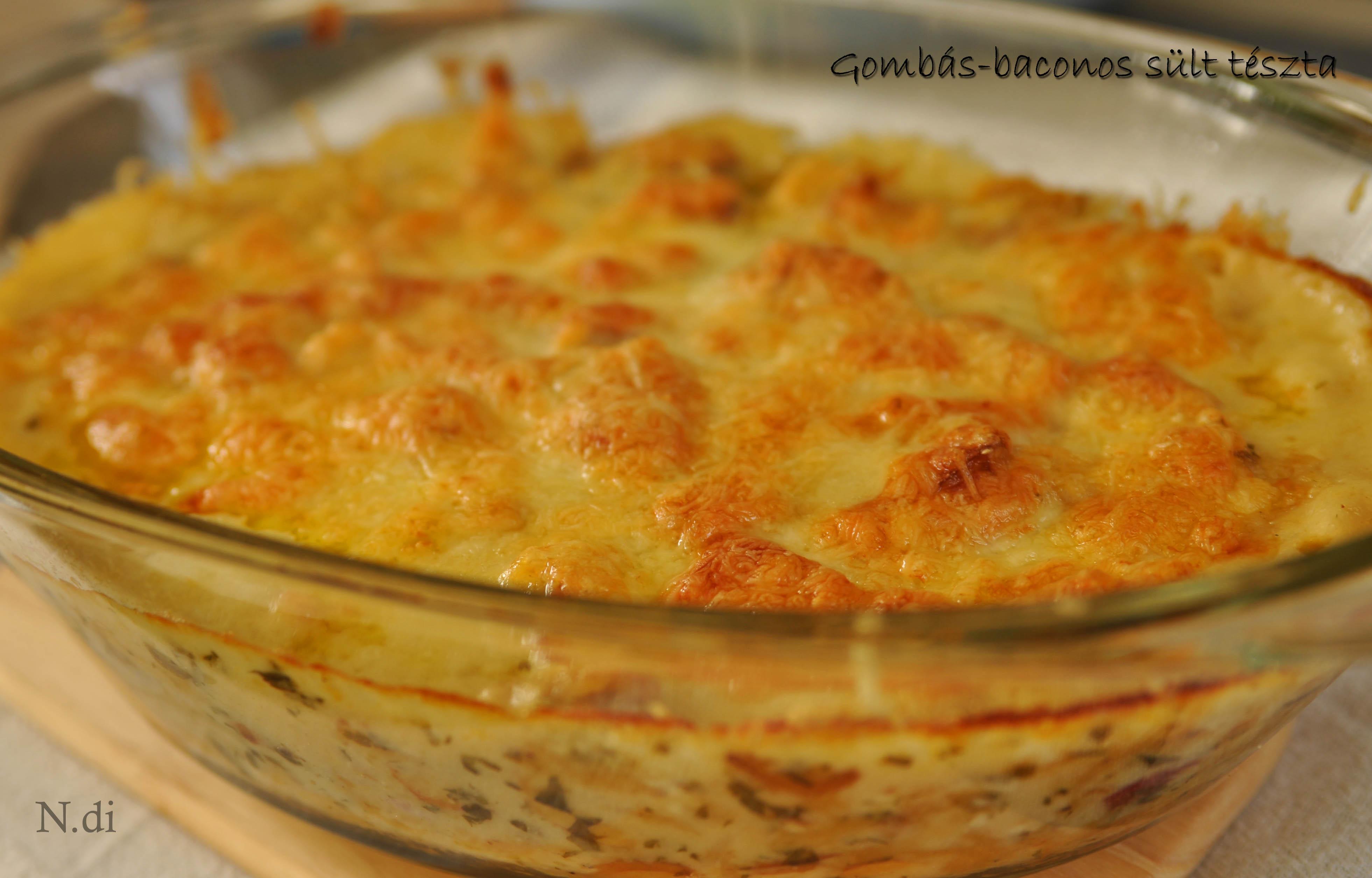 Gombás-baconos sült tészta