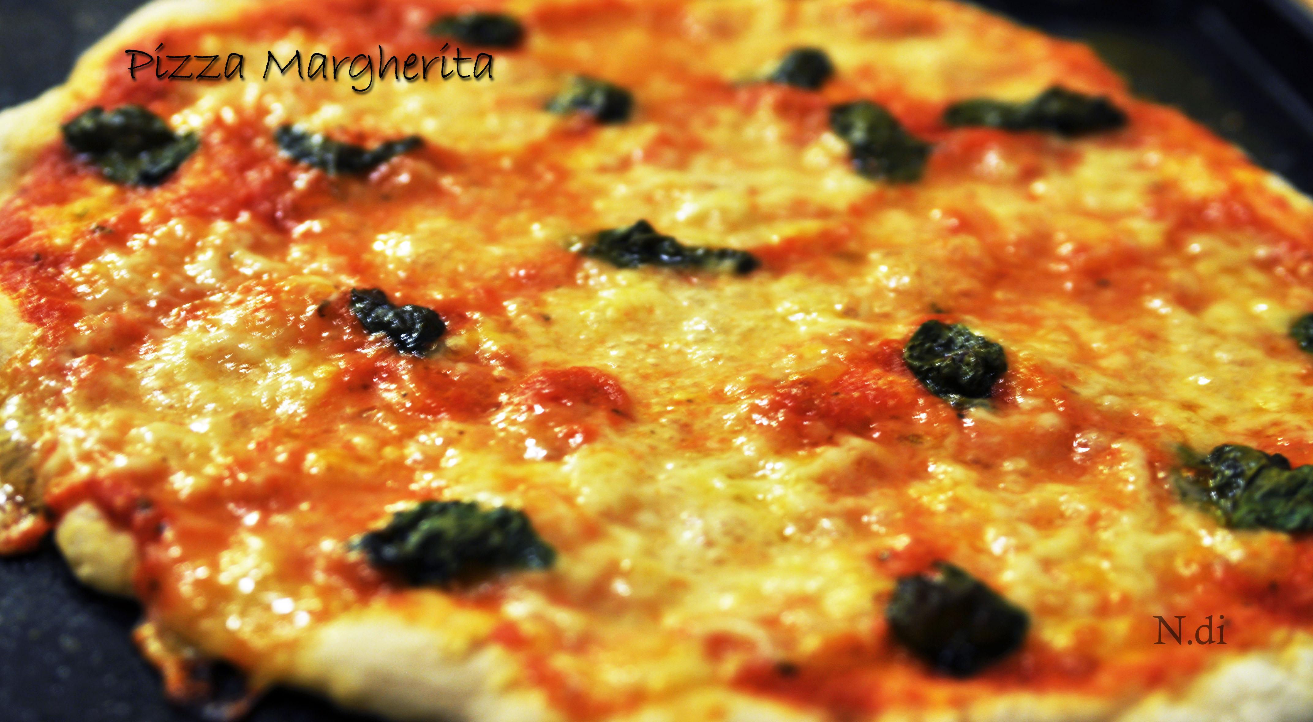 Pizza Margherita by Gennaro