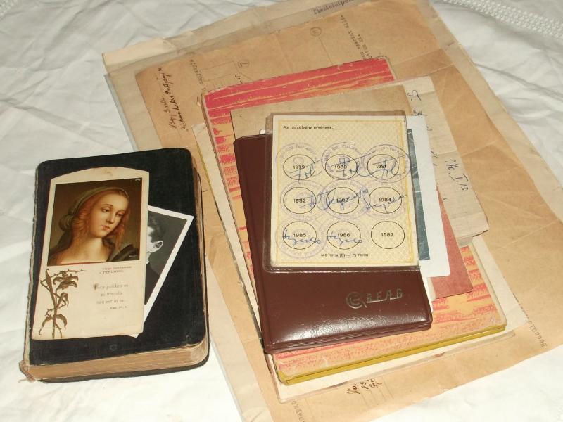Számomra egy része kortörténeti dokumentum - egy halom nyomtatott relikvia gyűlt össze