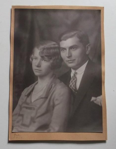 Máté Olga (1878 – 1961) fotóművész alkotása - Fiatal pár, 1926