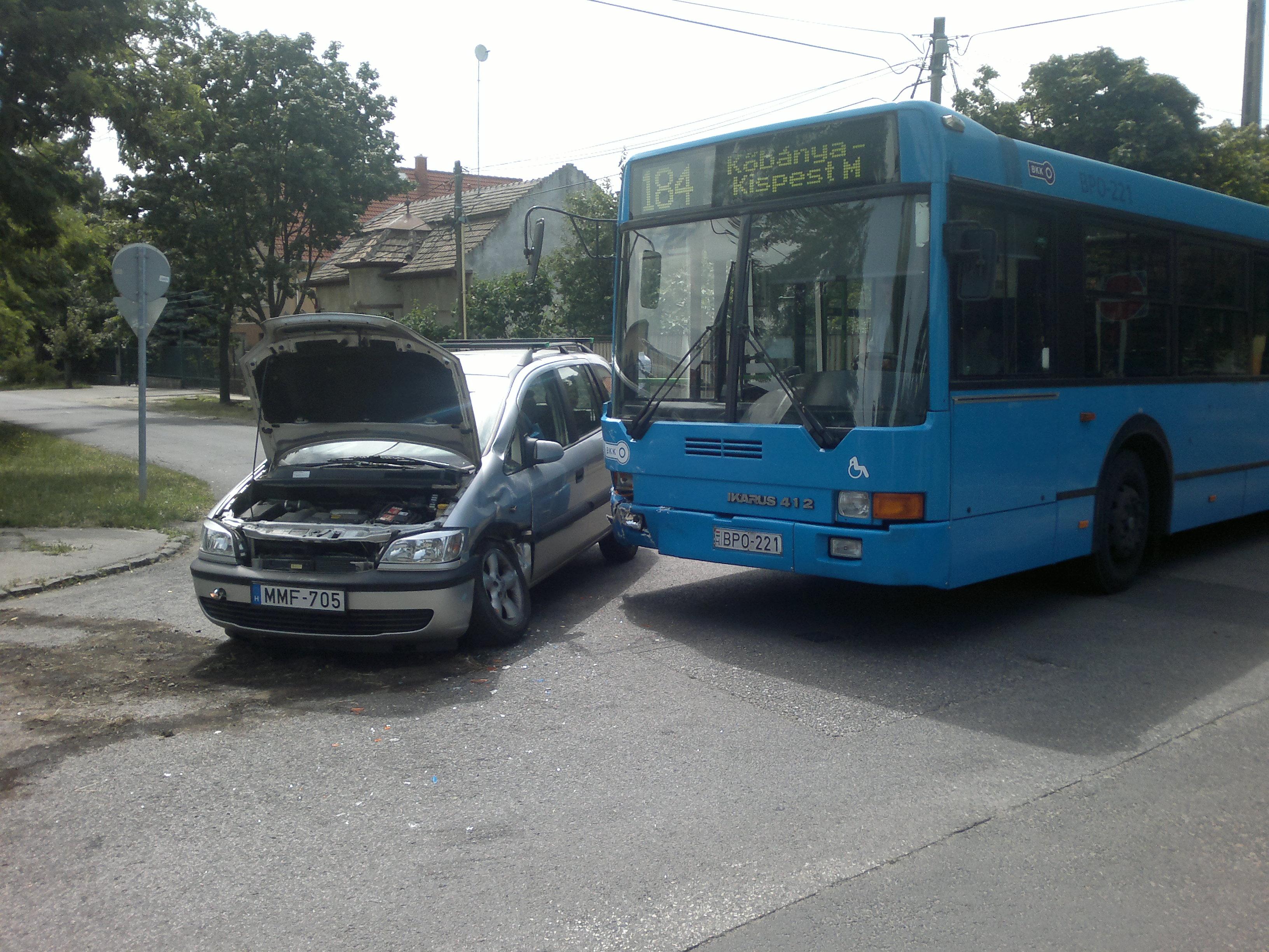 busz ütközés.jpg