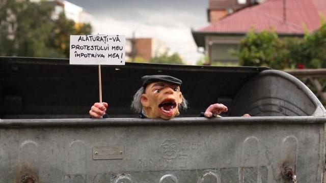 Muppet show a konténerben