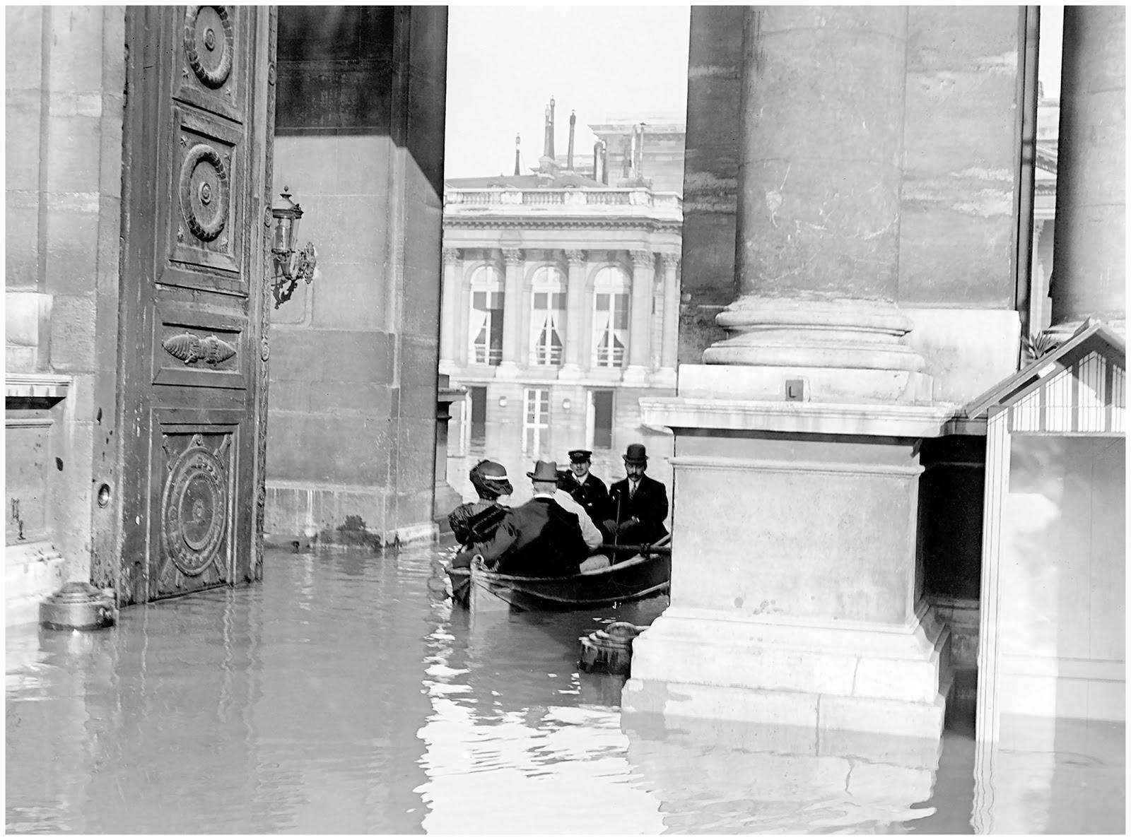 La chambre des députes Paris floods in 1910 The House of Representatives_1.jpg
