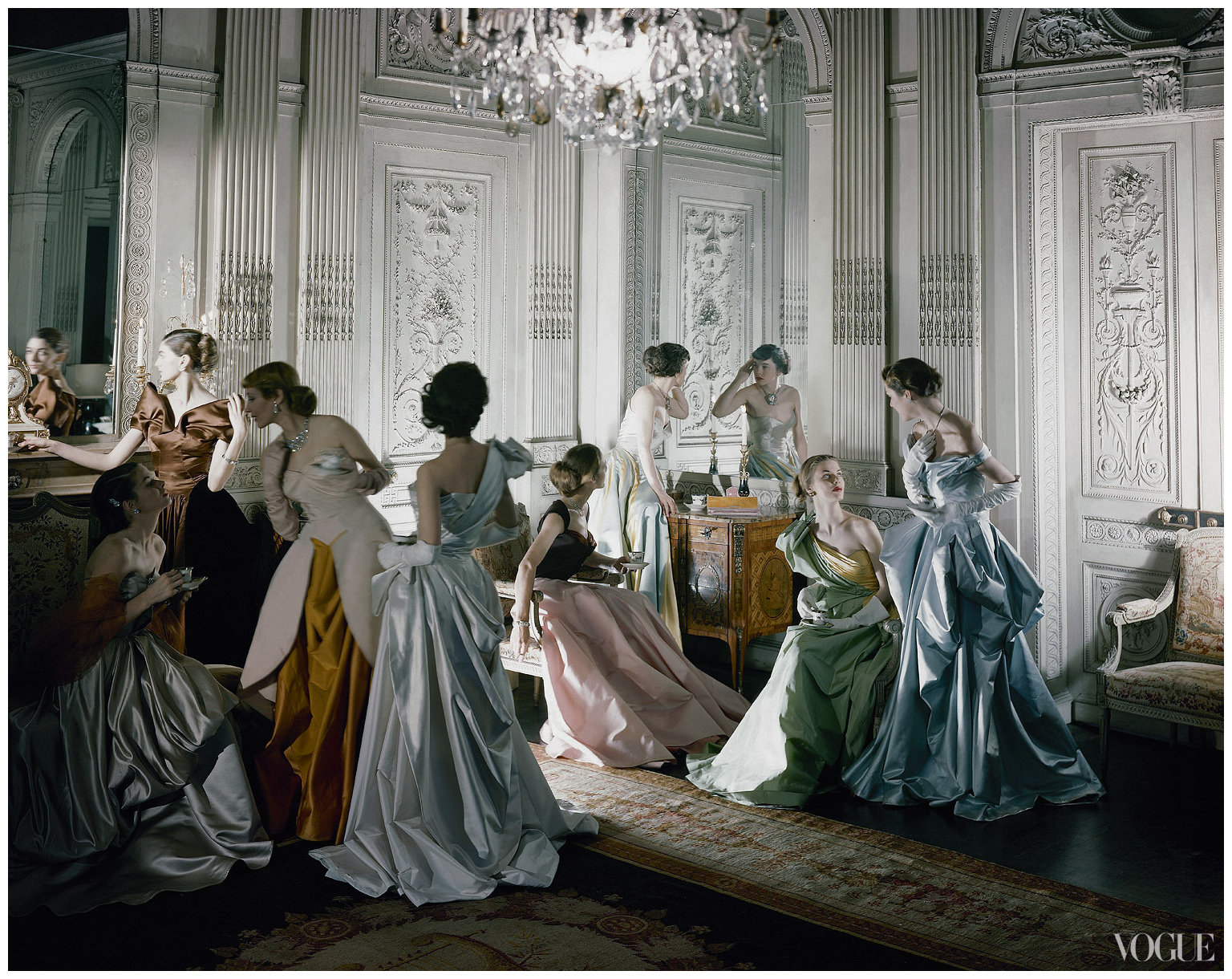 iconic-image-of-charles-james-ball-gowns-photographed-in-the-salon-of-french-co-new-york-photographed-by-cecil-beaton-1948.jpg