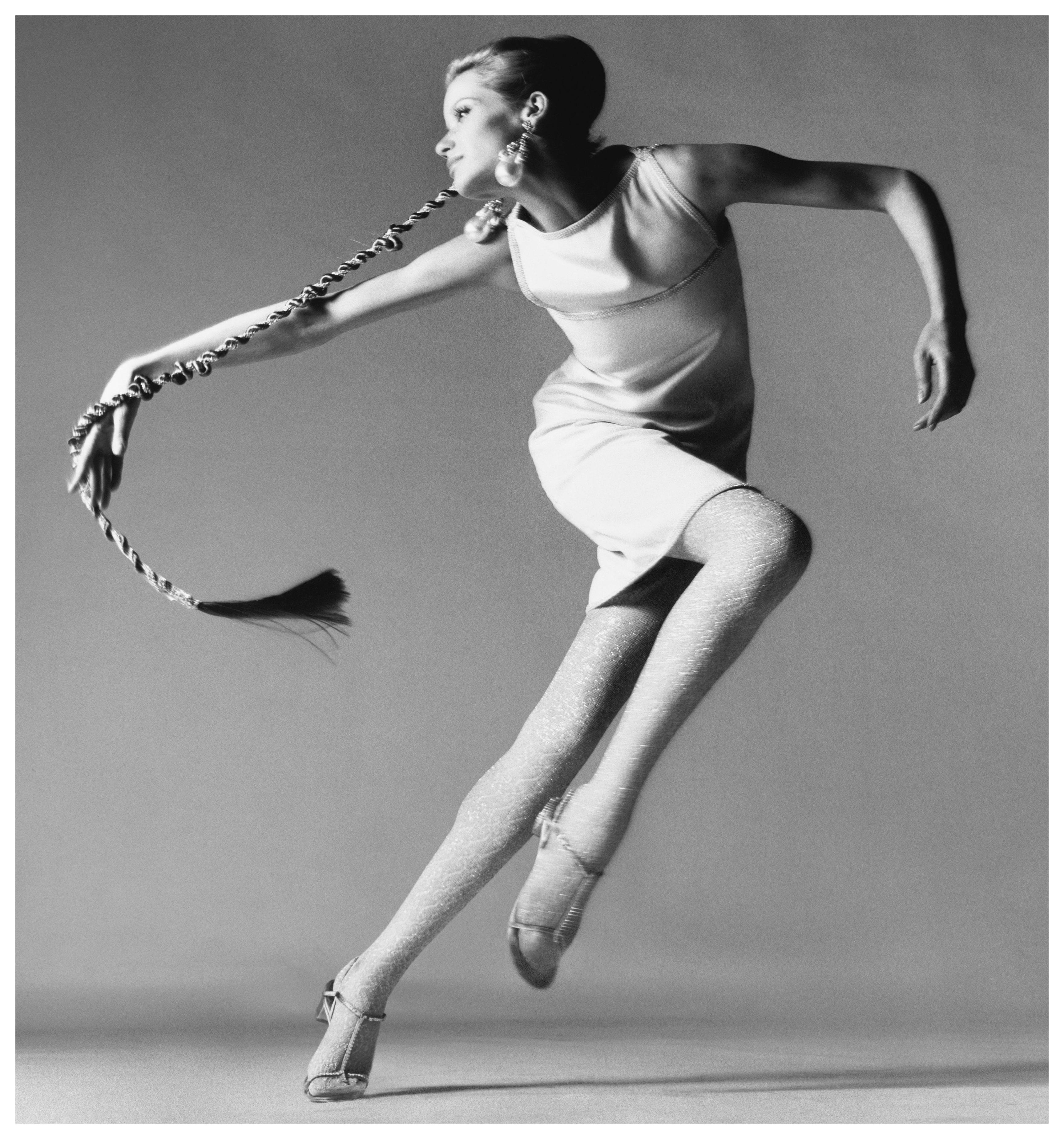veruschka-dress-by-kimberly-new-york-january-1967-c2a0richard-avedon.jpg