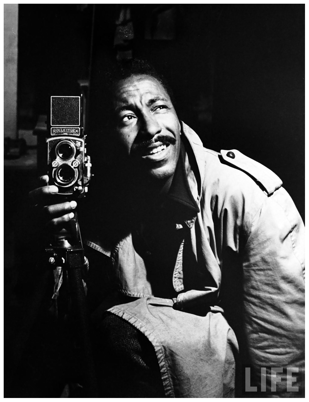 self-portrait-by-photographer-gordon-parks.jpeg